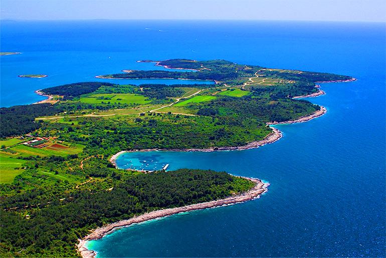 мыс и пляж каменяк в хорватии