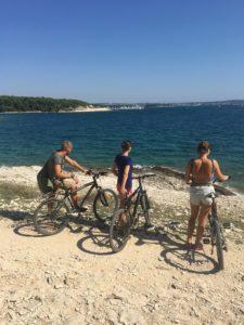 в Каменяк в Хорватии на велосипедах