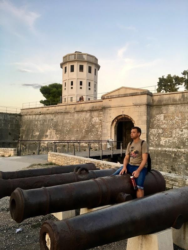 Форт Бургуньон Крепость Каштел
