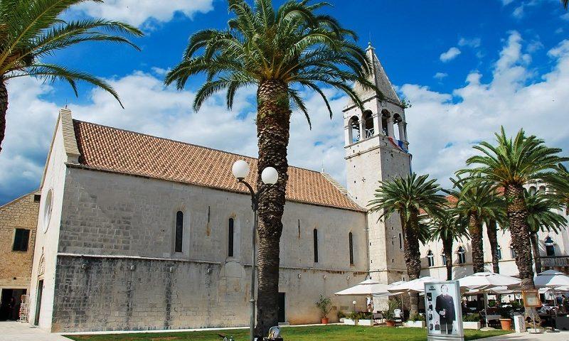 кафедральный собор св ловре в трогире достопримечательность