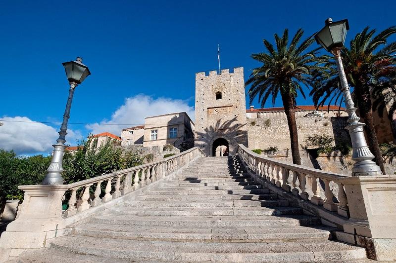 Городские ворота в Старый город Корчулы