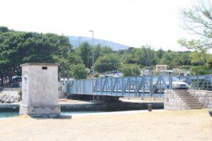 мост на острове црес